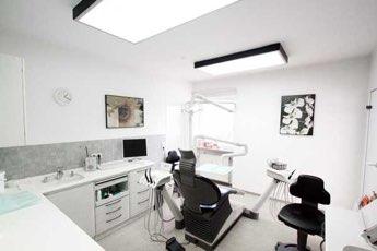 Zahnarztpraxis Neubiberg Behandlungsraum